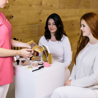 MADEMOISELLE BIO - Leçon de maquillage